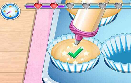 Play Little Cupcake Maker Mobile