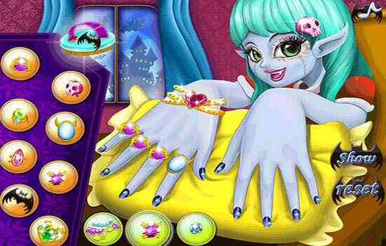 Play Monster Girl Nail Care